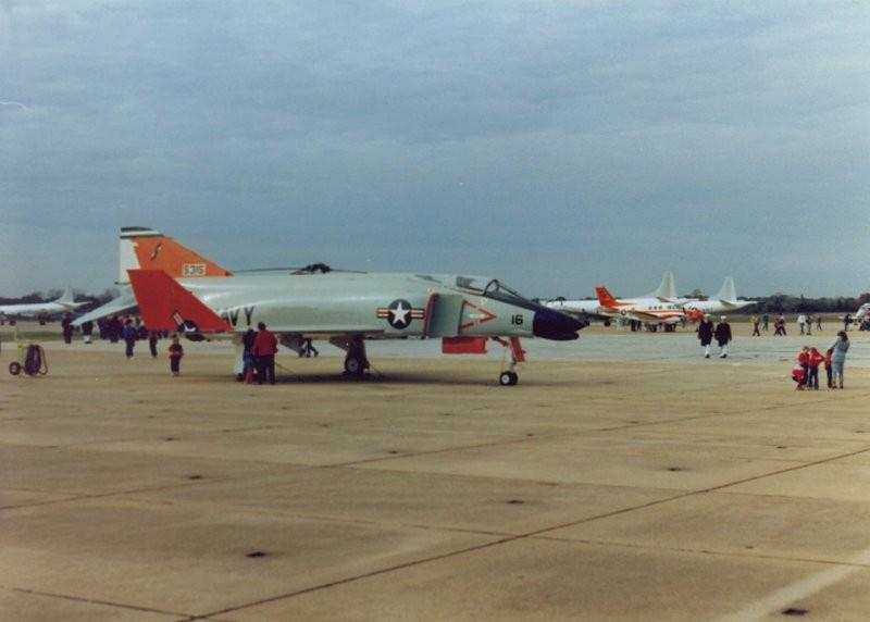 ... Memphis 1988 Air Show ~ F4H-1F Phantom II